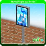 Visualización al aire libre del rectángulo ligero del diseño de Customzied del rectángulo ligero del poste de la lámpara de la calle LED