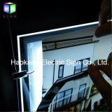 LED que cuelga haciendo publicidad del rectángulo ligero cristalino de acrílico para la muestra de la ventana