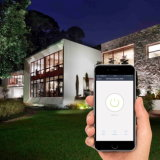 Mini socket Wi-Fi y enchufe elegantes con la potencia encendido-apagado