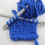 Handgemachte DIY stricken umfassende Wolldecke-super klumpiges Wolle-Garn mit der Hand