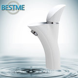 Produit simple de taraud de mélangeur de trou de pouce de forme de robinet blanc de bassin en série (BM-10056W)