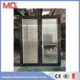 Puerta oscilante de aluminio de color negro Puerta doble desigual