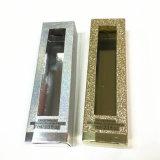 カスタム一つは光沢がある金または銀製ペーパー包装ボックスを設計した