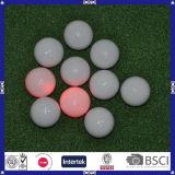 Incandescenza variopinta di alta qualità nella sfera di golf scura
