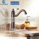 Singolo rubinetto antico del colpetto del bacino della maniglia per la stanza da bagno