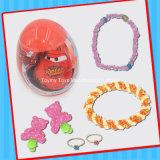 Kleines Überraschungs-Ei-Spielzeug mit Süßigkeit