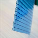Feuille creuse bleue de polycarbonate
