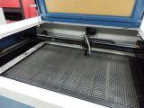 Máquina de matéria têxtil da estaca do laser