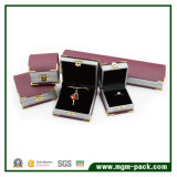 Коробка ювелирных изделий горячего угла золота сбывания пластичная