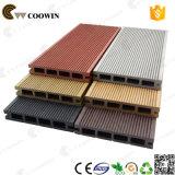 Decking conçu extérieur de matériaux de la construction WPC de Qingdao