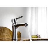 Mélangeur de bassin de robinet de bassin de l'eau de salle de bains monté par paquet en laiton de chrome