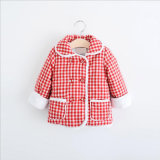 Capa del algodón de la tela escocesa de la muchacha con los bolsillos dobles para el vestir de los cabritos