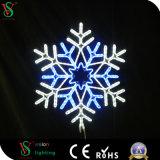 2017年のモチーフのアクリルの点滅の輝きの休日の雪片LEDライト