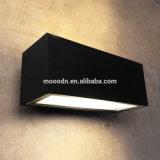 현대 까만 주조 알루미늄 상자 목욕탕과 통행을%s 폭발 방지 방수 IP65 10W 옥수수 속 LED 벽 램프를 정지한다