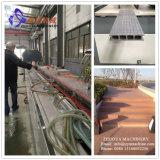 Linha de produção do perfil de PP/PE WPC/máquina ao ar livre para o Decking/revestimento/o cerco/coluna