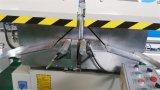 El aluminio e inglete del doble del perfil del PVC vieron