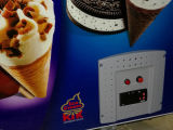 Oberseite-geöffnete Glastür-Eiscreme-Bildschirmanzeige-Gefriermaschine mit Verschluss (SD-250)