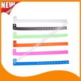 Wristband браслетов удостоверения личности таможни зрелищности пластичный (E8070-89)