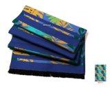 A forma deixa o lenço de seda