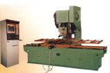 Máquina do engranzamento do martelamento do furo
