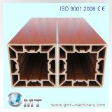 Production en Plastique de Panneau de Plafond de PVC WPC Expulsant Faisant la Ligne de Machine