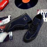O esporte 2017 de venda quente calç a sapatilha da forma