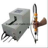 Vis manuelle serrant le matériel avec la machine de câble d'alimentation