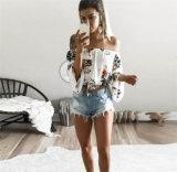 As mulheres quentes da venda de Amazon fora do ombro impresso florescem o t-shirt