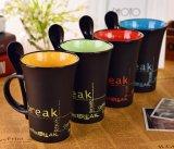 tasse noire de 11oz Matt avec la couleur intérieure de rouge pour le thé