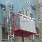 De super Lift die van de Bouw van de Hoogte voor de Toren van de Voorzanger Guangzhou (610 meters hoog) gebruiken