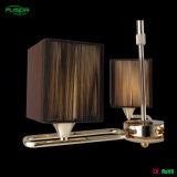 Indicatore luminoso del lampadario a bracci dell'hotel con lo schermo del panno