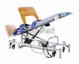Cama de fisioterapia utilizada para o treinamento permanente do paciente