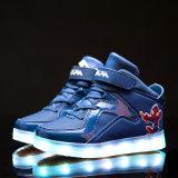 Het Laden van de Bestseller USB Licht die de Kleurrijke LEIDENE Tennisschoenen van Schoenen opvlammen