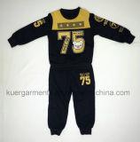 Мальчик печатание малышей резвится одежда детей костюма