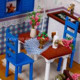 Huis van Doll van het Stuk speelgoed DIY van China het Kleine Mooie Houten met Meubilair