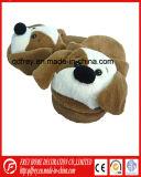 柔らかい犬のプラシ天のおもちゃのスリッパのための中国の製造