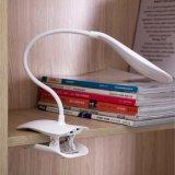 Una clip doppia flessibile di vendita calda delle 2016 2 braccia sulla lampada del LED per il basamento di musica ed il nero dell'indicatore luminoso della lettura del libro