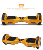 Scooter électrique de Hoverboard de deux roues d'équilibre d'or d'individu avec Bluetooth