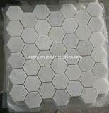 Mosaico di esagono e mattonelle di mosaico di marmo bianchi