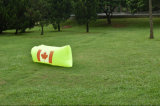 熱い販売のポケットを持つ速く膨脹可能な空気寝袋のバナナ