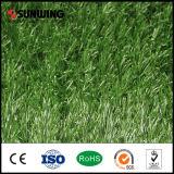 Césped artificial verde de la hierba del jardín del PPE del jardín decorativo con el SGS