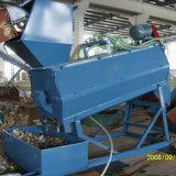 El animal doméstico plástico embotella las escamas que machacan, lavando y reciclando la máquina de las máquinas