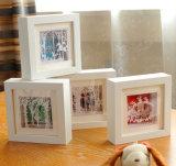 Armatures blanches carrées de photo en bois plein