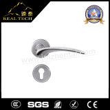 最も売れ行きの良いSSSの固体ステンレス鋼の浴室のドアのレバーハンドル