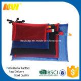 Muchos colorean el bolso de nylon bien escogido del cosmético del acoplamiento