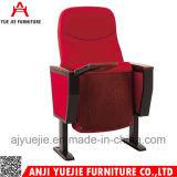 Présidence en bois confortable fonctionnelle de vente chaude Yj1606g de salle