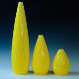 Bottiglia sveglia del fiore della porcellana di colore giallo di disegno per la decorazione dell'hotel e della casa
