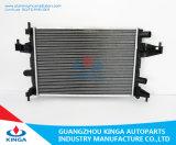 Radiatore di plastica dell'automobile di serbatoio di memoria di alluminio per Opel OEM 1300236 Corsa/combinato C