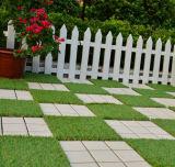 Étage des aperçus gratuits DIY enclenchant la tuile artificielle d'herbe pour le jardin