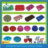 Borracha de silicone bonito personalizada OEM/ODM dos utensílios de mesa dos desenhos animados plásticos da cor da injeção